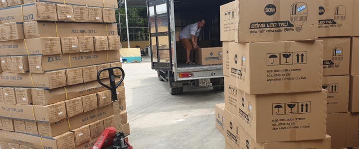 Đóng thùng và giao hàng